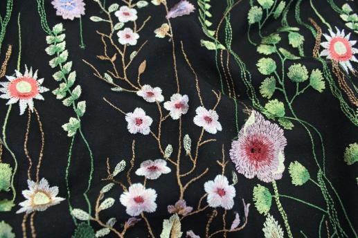 Сетка с вышивкой черная 766